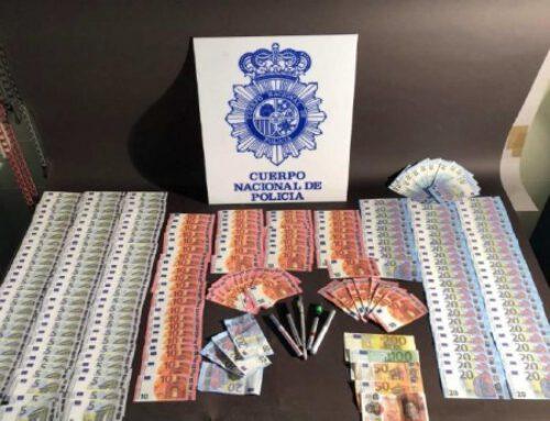 """La Policía Nacional realiza dos importantes operaciones contra la distribución de billetes falsos """"dinero de película""""."""