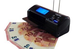 Herramienta para detectar billetes falsos